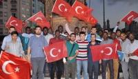 Yabancı öğrenciler darbi girişimini protesto etti
