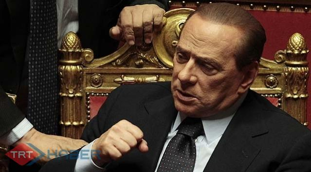 Berlusconi Düştü, Travma Geçirdi