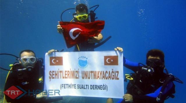 Teröre Deniz Altında Protesto