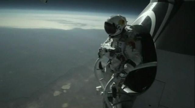 Uzaydan Dünyaya Serbest Dalış