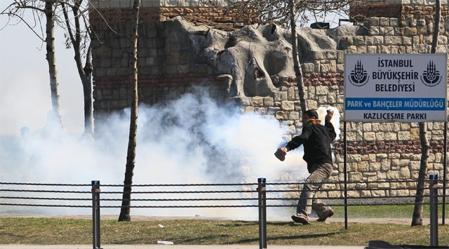 İstanbulda İzinsiz Gösterinin Maliyeti 1 Milyon TL