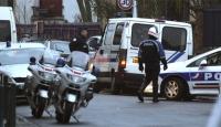 Fransa'da Polis Bir Evi Kuşattı