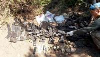 Kaçak askerlere ait askeri malzemeler bulundu