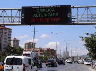 Trafik ekranlarında Boğaziçi Köprüsünün adı Şehitler Köprüsü olarak değiştirildi