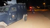 Muşta zırhlı polis aracına saldırı