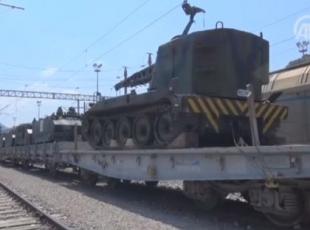 Askeri araçların bulunduğu yük treni, 11 gündür bekletiliyor