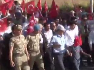 Asker ve vatandaş yürüyüş düzenledi