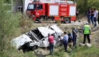 Şarampole devrilen otomobilde 4 kişi hayatını kaybetti
