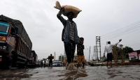 Hindistanda bilanço ağırlaşıyor: 42 ölü
