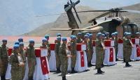 Hakkaride şehit düşen 8 asker için tören düzenlendi