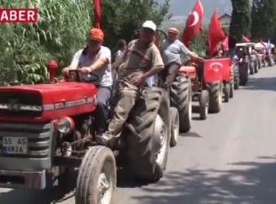Traktör konvoyundan FETÖ protestosu