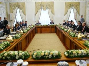Erdoğan ve Putin heyetlerarası görüşmede bir araya geldi