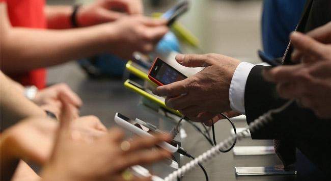 Fransada bilgisayar ve cep telefonlarına yıllık vergi geliyor