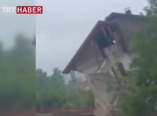 3 katlı evin yıkılış anı