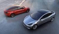 Test sürüşündeki Tesla S modeli alev aldı