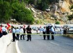 Antalyada askeri aracın geçişi sırasında patlama