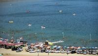 """Doğudaki tatilcilerin gözdesi: """"Hazar Gölü"""""""