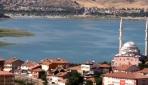 Doğudaki tatilcilerin gözdesi: 'Hazar Gölü'