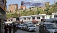 Cumhurbaşkanı Erdoğana pankartlı teşekkür
