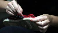 İspanyol kadın Filistinde ürettiği ayakkabıları dünyaya pazarlıyor