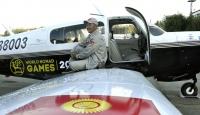 Kırgız pilot tek motorlu uçakla dünya turuna çıktı