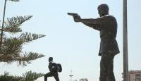Şehit Ömer Halisdemirin heykeli dikildi