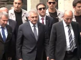 Başbakan Yıldırım, cuma namazını Sinan Paşa Camisinde kıldı