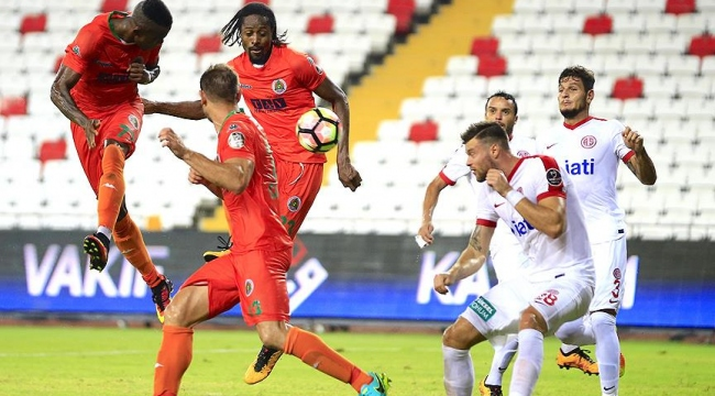 Alanyaspor son dakika golüyle kazandı