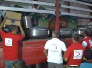 Türk Kızılayı Cerablusta sıcak yemek dağıttı