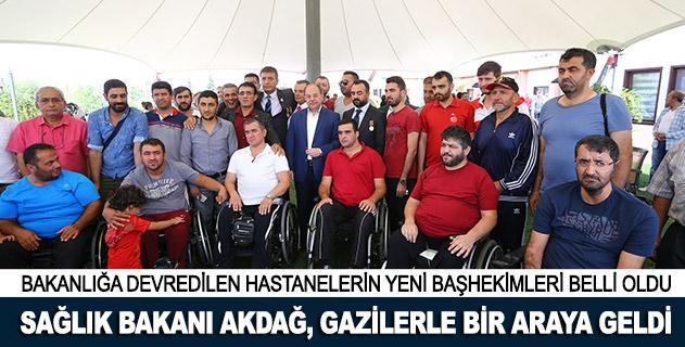 Sağlık Bakanı Akdağ, gazilerle bir araya geldi