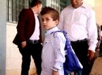 İsrail saldırısında ailesini kaybeden minik Devabişe, okula buruk başladı