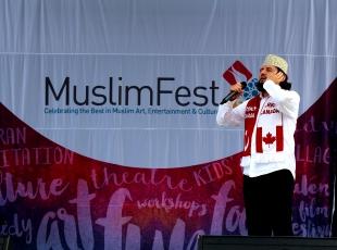 Kanadada açık alanda ezan sesi