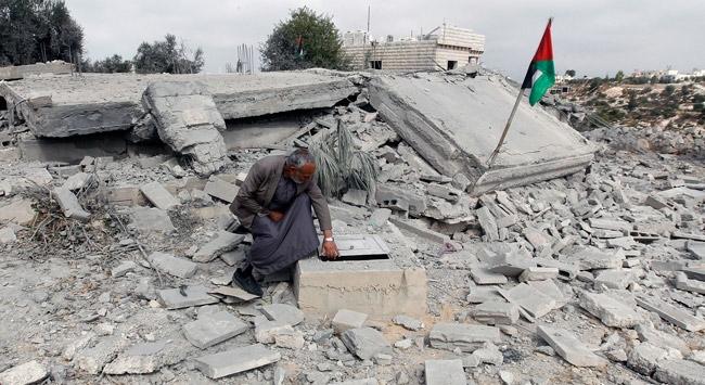 İsrail, COVID-19a rağmen Filistinlilerin evlerini yıkmaya devam ediyor