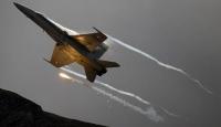 Kaybolan savaş uçağının enkazı bulundu