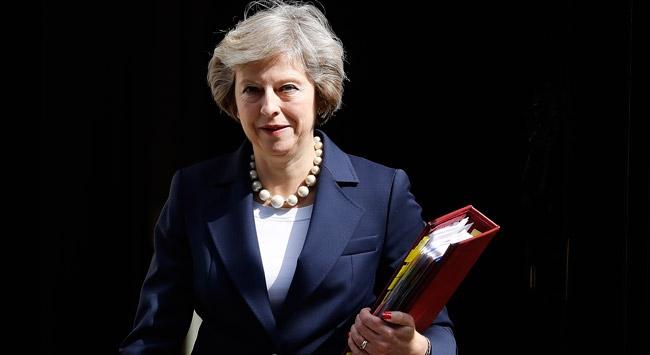 """""""İngiltere Başbakanı May istifa tarihini açıklayacak"""""""