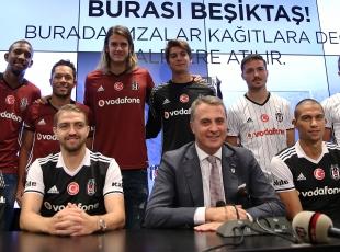 Beşiktaşta toplu imza töreni