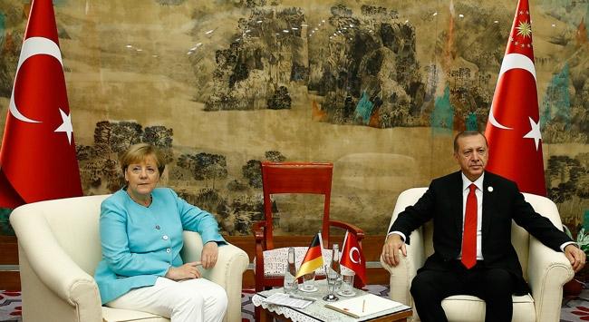 Cumhurbaşkanı Erdoğan, Almanya Başbakanı Merkeli kabul etti