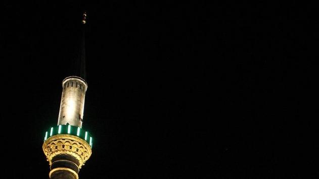 İzmirde gece sela okunması halkı tedirgin etti