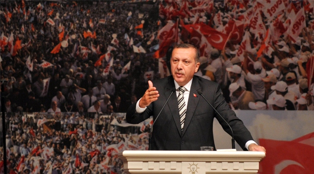 AK Parti 100 Bin Kişiyle Arenaya Çıkıyor