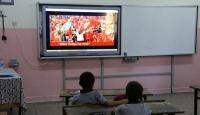 İlk ders 15 Temmuz Demokrasi Zaferi videosu ile başladı