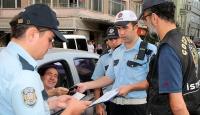 İstanbulda okul önlerinde güvenlik uygulaması