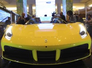 Ferrari 488 Spider Endonezyada tanıtıldı