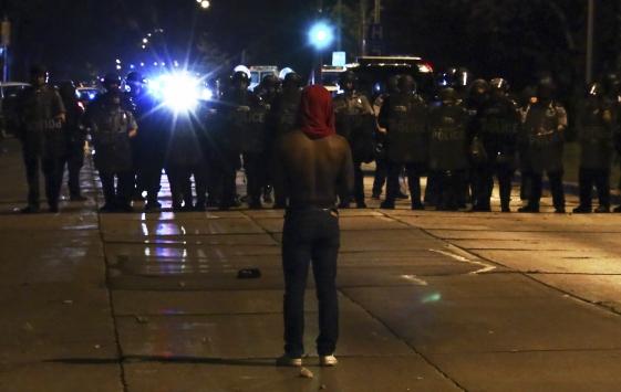 Siyahilerin şiddet protestoları 3. gününde