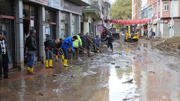 Trabzondaki selin ardından çalışmalar aralıksız sürüyor