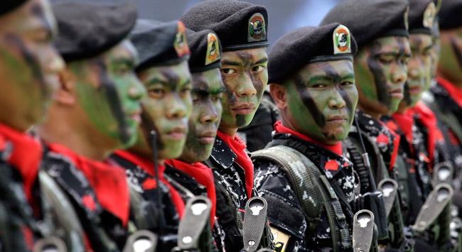 Filipinlerde isyancılar orduyla çatıştı