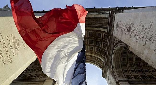 Fransada ayrılıkçı fikirlerle mücadele yasa tasarısı Müslümanları endişelendiriyor