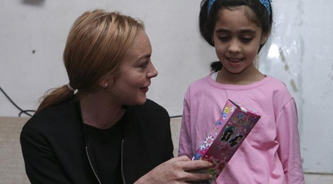 Hollywood yıldızından sığınmacılara ziyaret