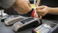 İranda bankalar müşterilerine ilk kez kredi kartı dağıttı