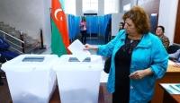 Azerbaycan anayasa değişikliğine evet dedi