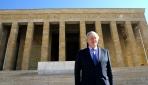 İngiltere Dışişleri Bakanı Johnson, Anıtkabiri ziyaret etti